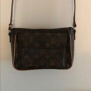 Louis Vuitton M51165